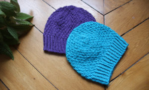 {Tricot} Deux bonnets Beloved Aran pour des jumeaux